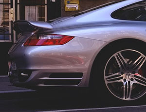 Carte grise: Nouvelle taxe sur les voitures de luxe?